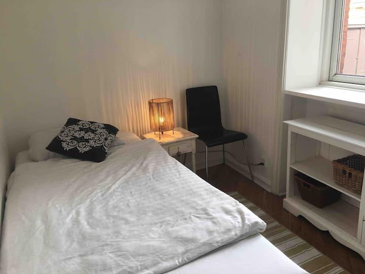 Hyggeligt lille værelse, 10 min fra Hellerup S.