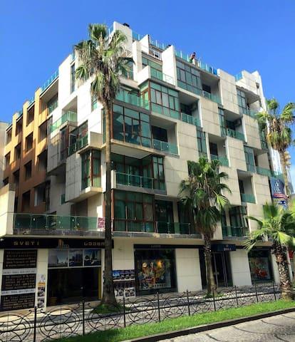 квартира на самом лучшем месте города - Batumi - Apartamento