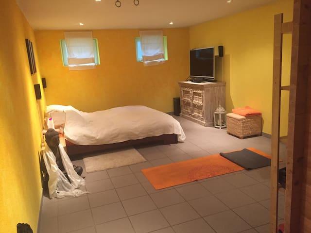 Schönes Zimmer im Untergeschoss inkl. Sauna - Illnau