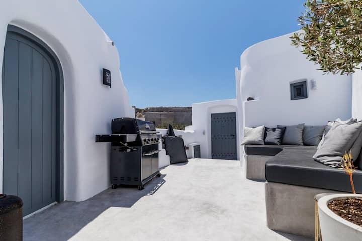 Orfeas Luxury Suites
