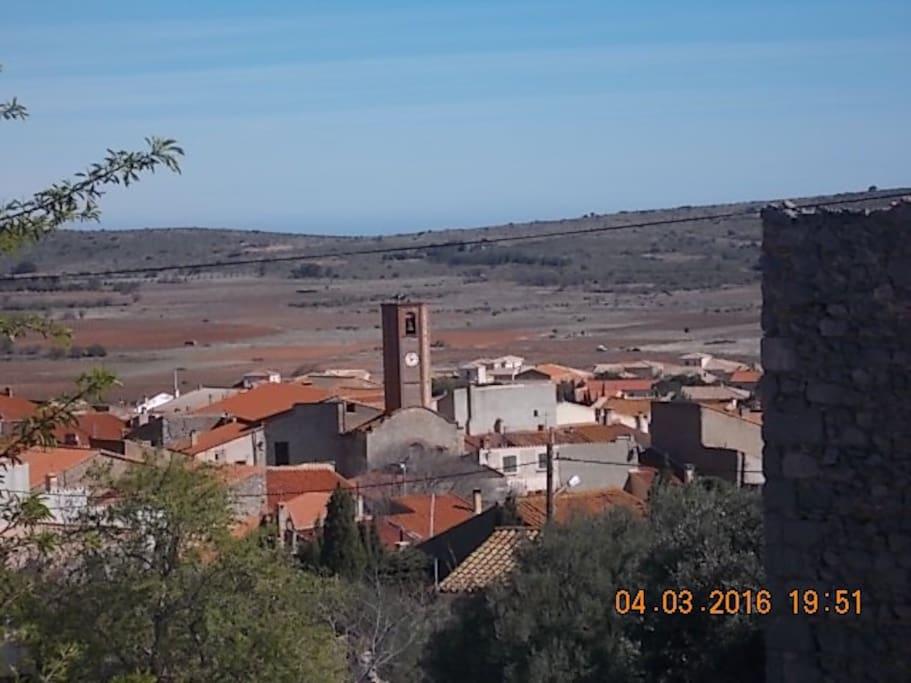 Vue du village et de la plaine