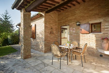 Country cottage C&M immerso nel verde love Tuscany