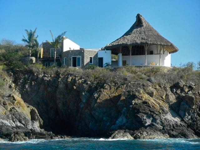 Private rooms on the top of the Virgen Bay - Chamela - Villa