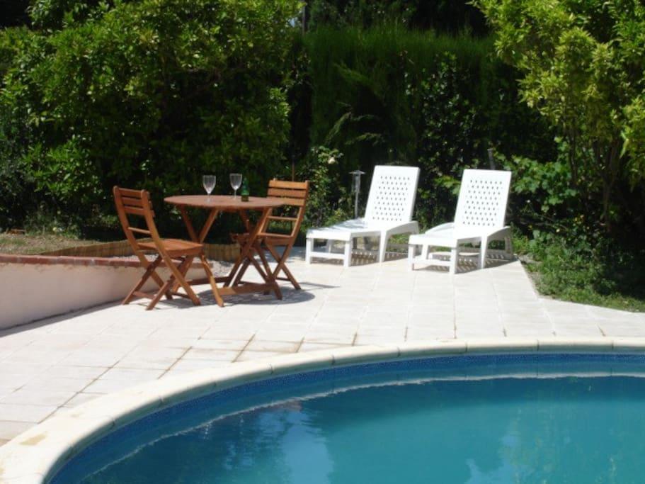Cottage Canigou - separate dining & sunbathing terrace