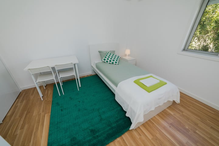 OPORTO Charming Stays - GREEN Bedroom