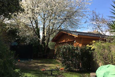 Cabin guest house - London - Blockhütte