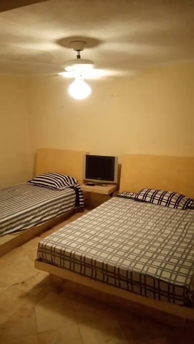 Recamara en segundo nivel con Cama matrimonial y cama individual