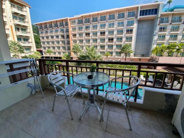 芭东公寓 泳池景 步行三分钟班赞、六分钟Bangla Road海滩