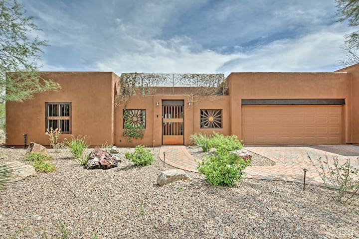 This home for 6 guests won the Tucson Area Realtor's Award in 2017!