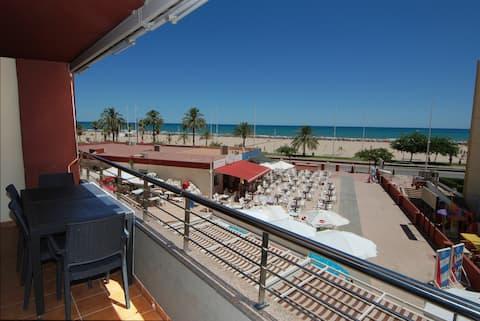 CHIMO 9. Beachfront Apartment. Premium. WIFI. Pool