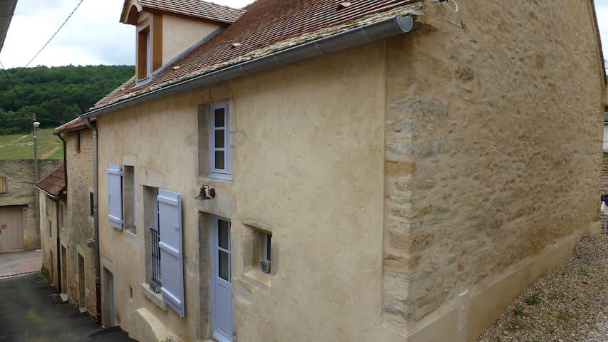 Chambre 5 mn Beaune  à Pernand Vergelesses - Pernand-Vergelesses - Dům