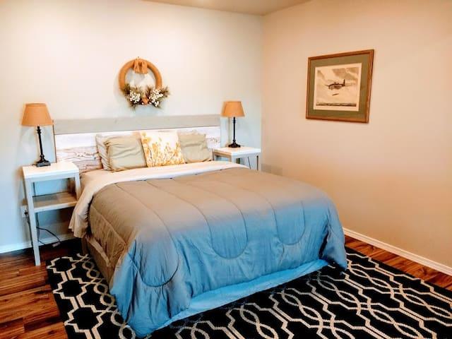 Spacious, cozy private apartment w/gorgeous views