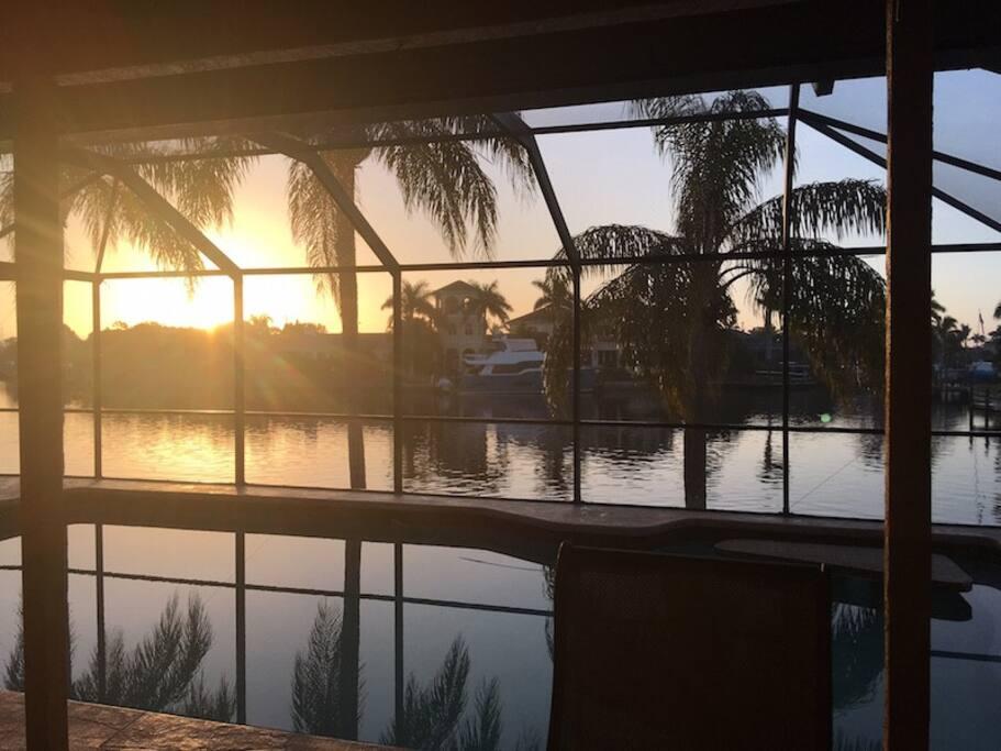 Breathtaking Sunrise // Atemberaubender Sonnenaufgang