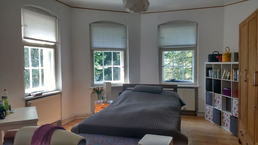 2 bedroom apartment with living room in Berlin