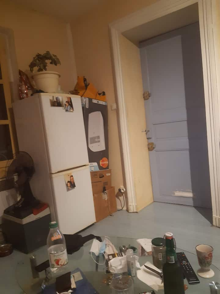 Cheap, studio bang in the old centre of Montauban