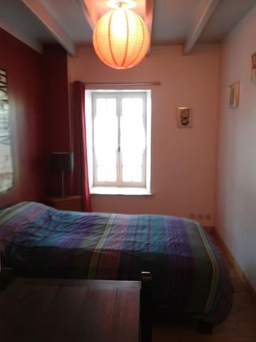 Chambre double dans 1 Maison de Normandie (Manche)