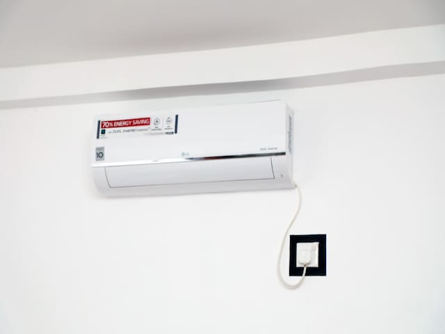 Air conditioner appearance