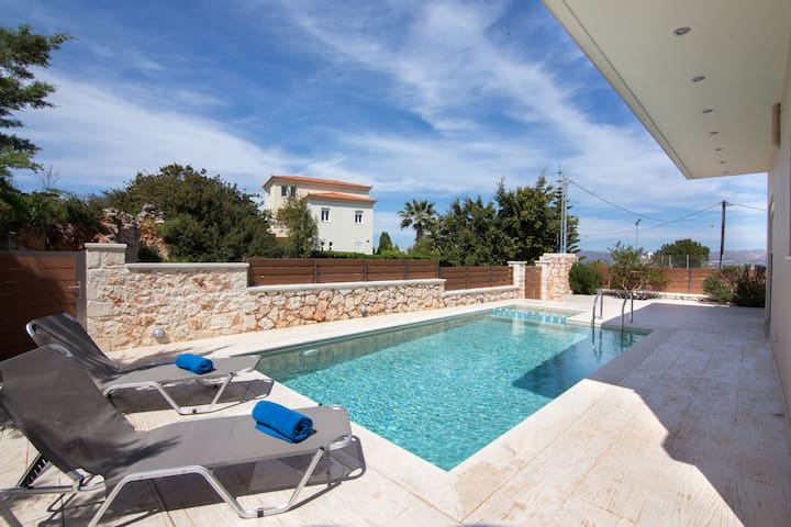 Quiet home with pool and garden near Chania - Kounoupidiana - Ev