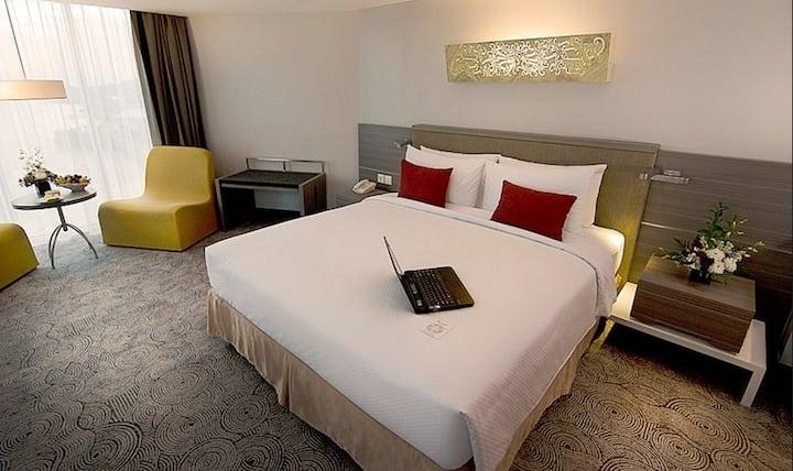 Room with Breakfast in Balikpapan by Swiss-Belhotel