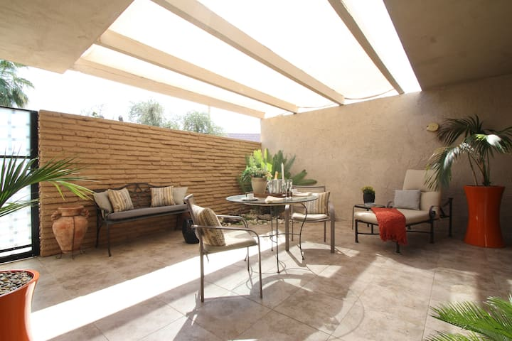 Charming Private Patio Guest Suite - Indian Wells