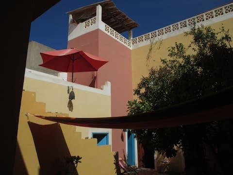 Maison marocaine typique et coloree