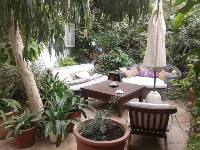 Maison et jardin de charme aux Mamelles - Thies - Ev