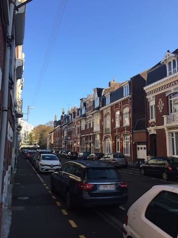 Quartier résidentiel  , 5 minutes  du vieux Lille.