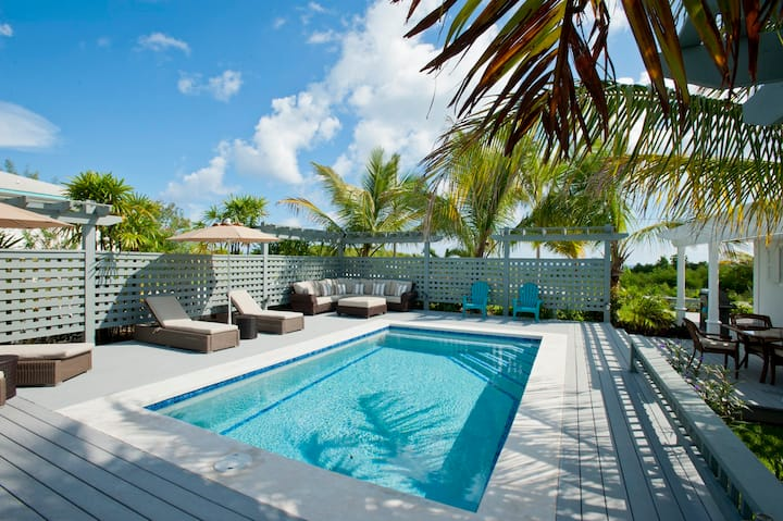 Hilltop House With Private Pool, near Town & Beach