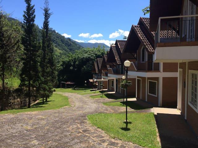 Chalé 2 - São Francisco Xavier - Sítio Bagarden - São José dos Campos - House