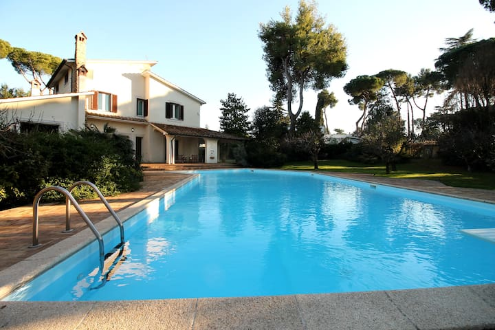 Roman Country Luxury 5 Bedroom Villa with Pool - Roma - Villa