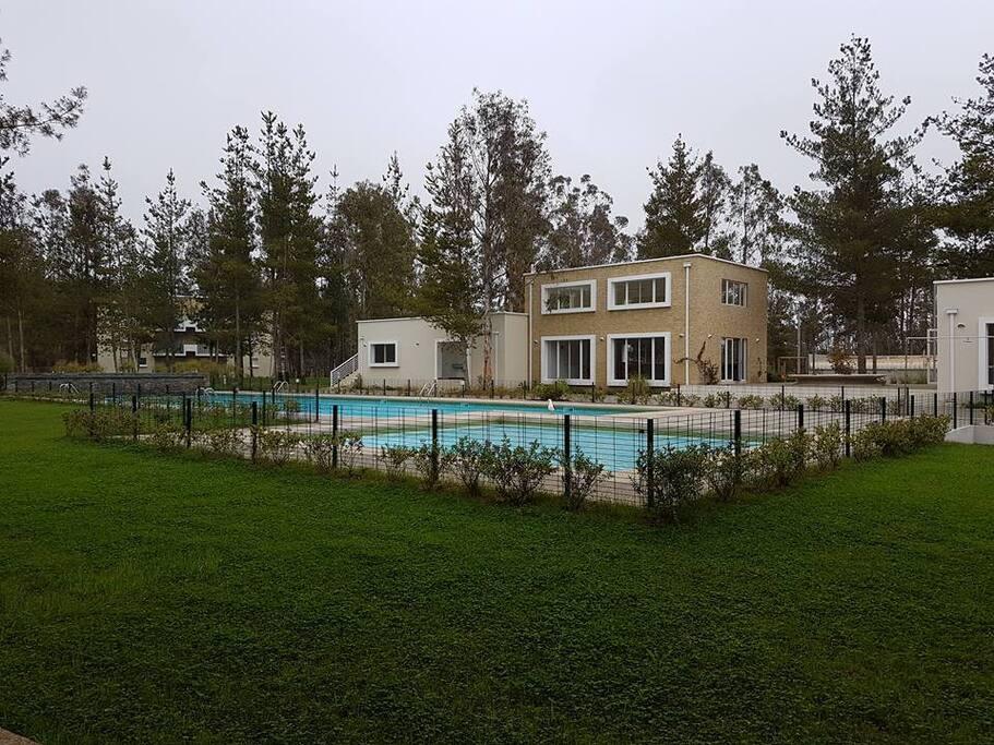Piscina Adulto, piscina niño, Club House, Lavandería