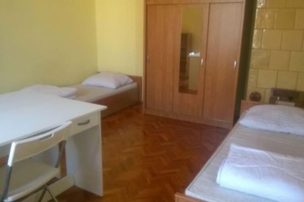 Room 2/1