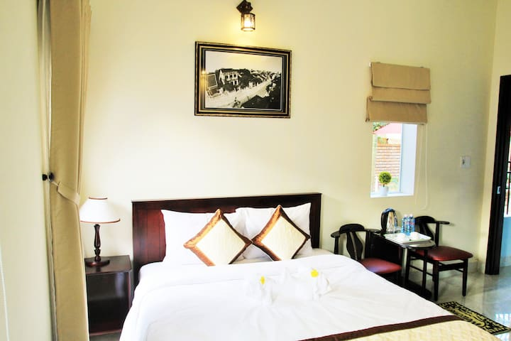 Double room with a private garden, Hoi An city