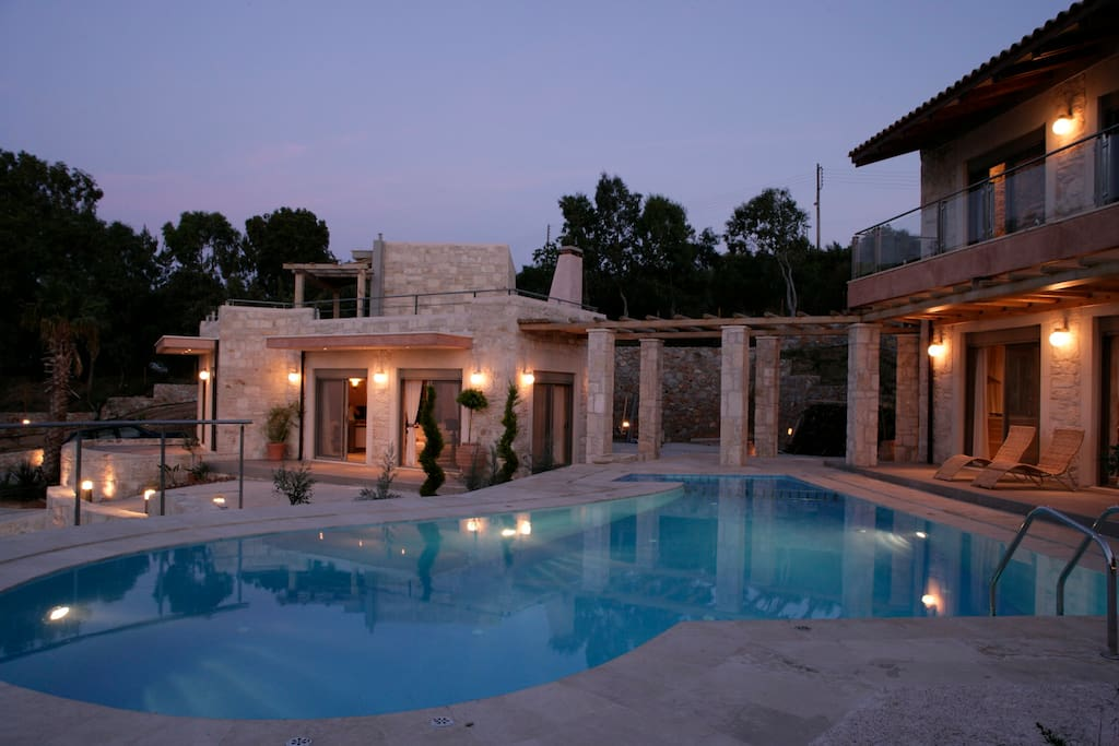The two villas with the pool