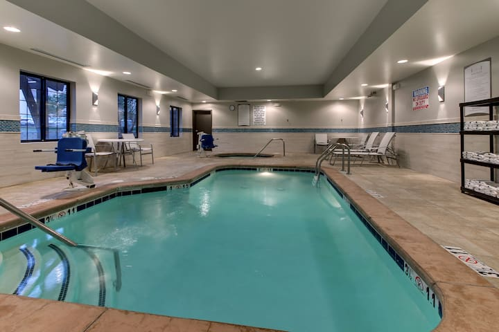 King Suite. Free Breakfast. Pool & Hot Tub. Airport Shuttle. Great for Business Travelers!