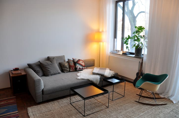 109 sqm with park view in the heart of Stockholm - Sztokholm - Apartament