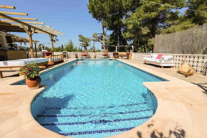 Cosy room and terrace in villa with pool