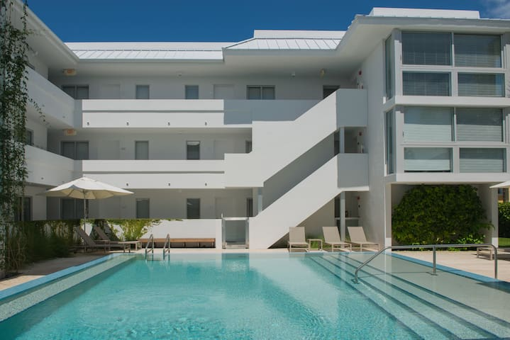1-Bedroom Contemporary Apt. Near the Beach - Key Biscayne - Flat