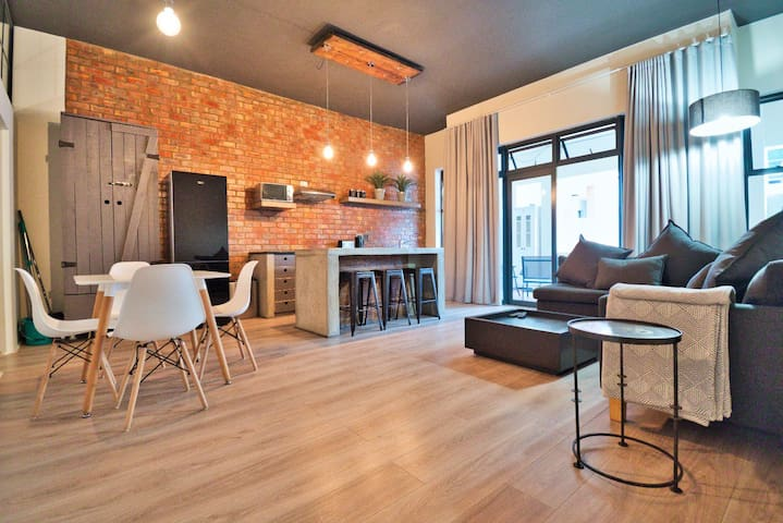 Stylish Spacious Modern Affordable Apartment