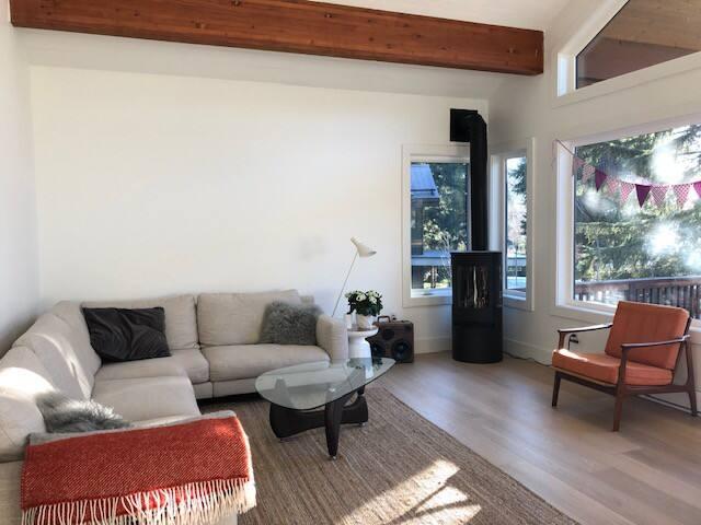 Relaxing getaway in Whistler: central 3 bedroom