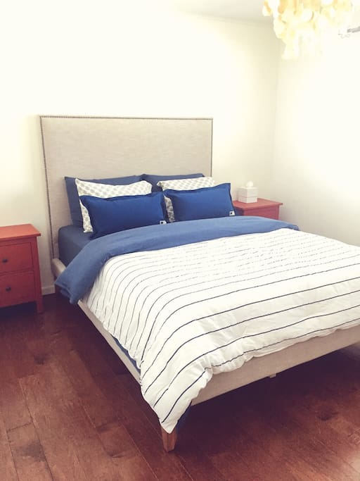 """New queen-sized West Elm bed with new 14"""" memory foam mattress and all-new bedding"""