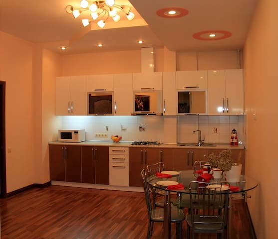South Gate Apartment - Bishkek - Apartemen