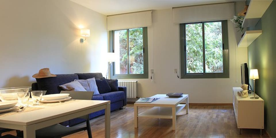 Quite 2bedroom apartment near city center - Barcelona - Apartment