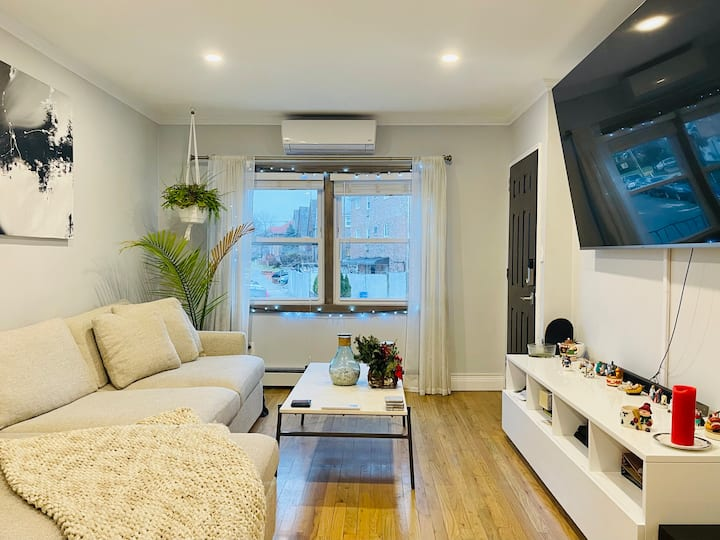 Cozy, Convenient & Modern NYC Room