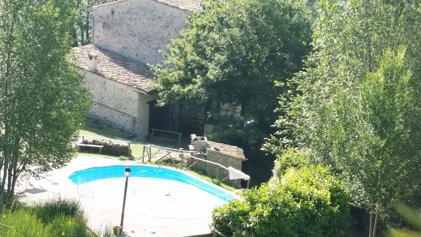 "Appartamento ""Olmo"", in casale in pietra. - Bugianpiccolo - Leilighet"