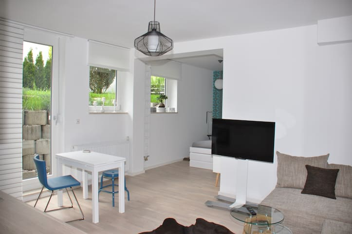 residing close to the Nymphenburg residence - Munich - Apartmen