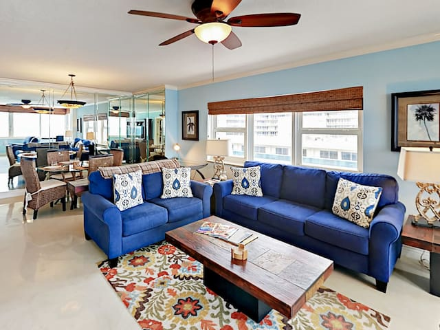 Ocean-View Suite w/ Pool & Beach Access