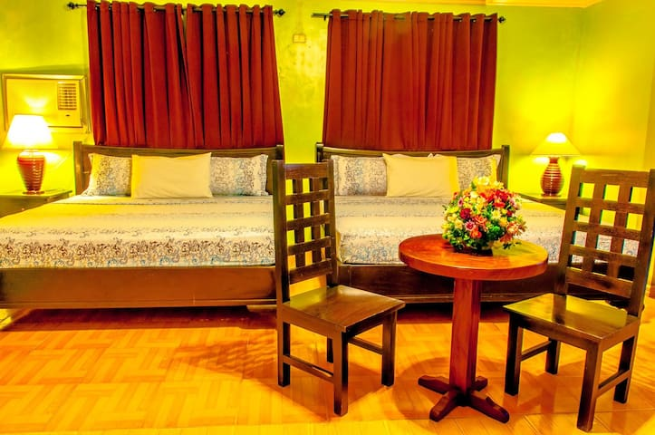 The Villa Khristalene Resort - VK Suite - 2 Levels - Talisay - Villa