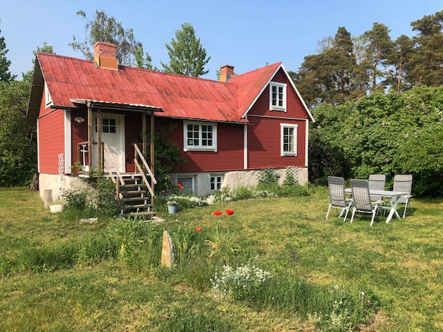 Charming cottage on Gotland, close to the sea