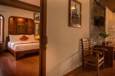 RAVORN VILLA BOUTIQUE AND RESTAURANT - Krong Battambang - Boutique hotel